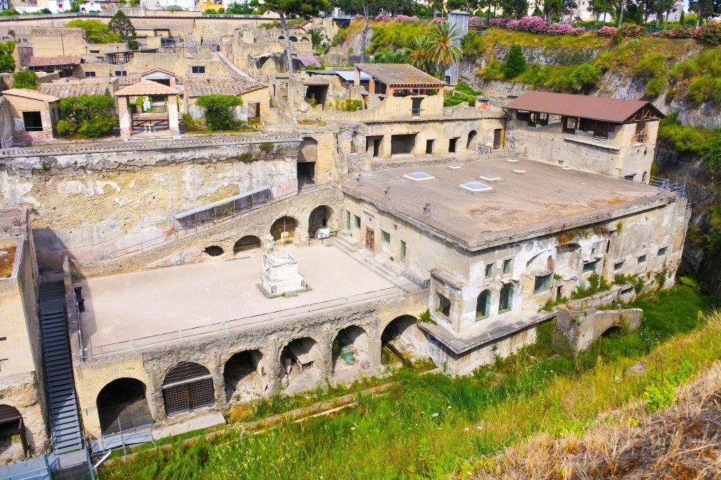 Herculaneum Town.jpg
