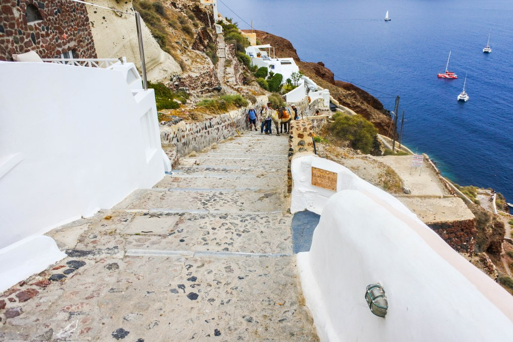 Steps to Amoudi Bay Oia.jpg