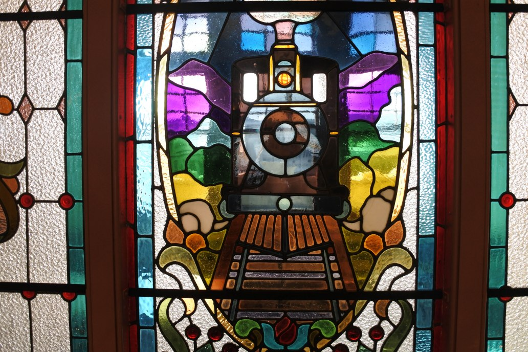 Dunedin Railway Station stained glass window.jpg