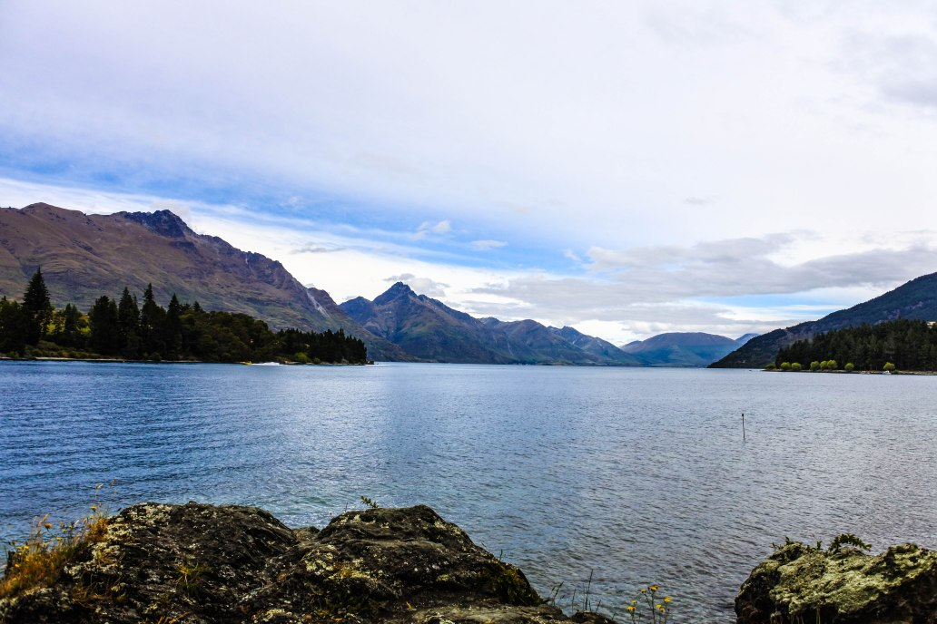 Lake Wakatipu 4.jpg
